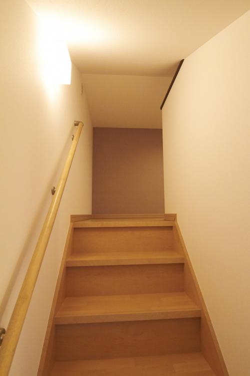 固定階段付き小屋裏収納