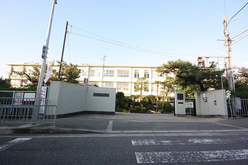 市立津田小学校