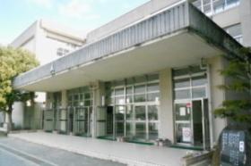 光明中学校